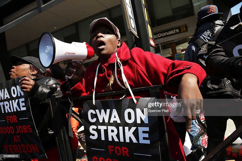 Verizon Workers Walk f Jobs And Strike