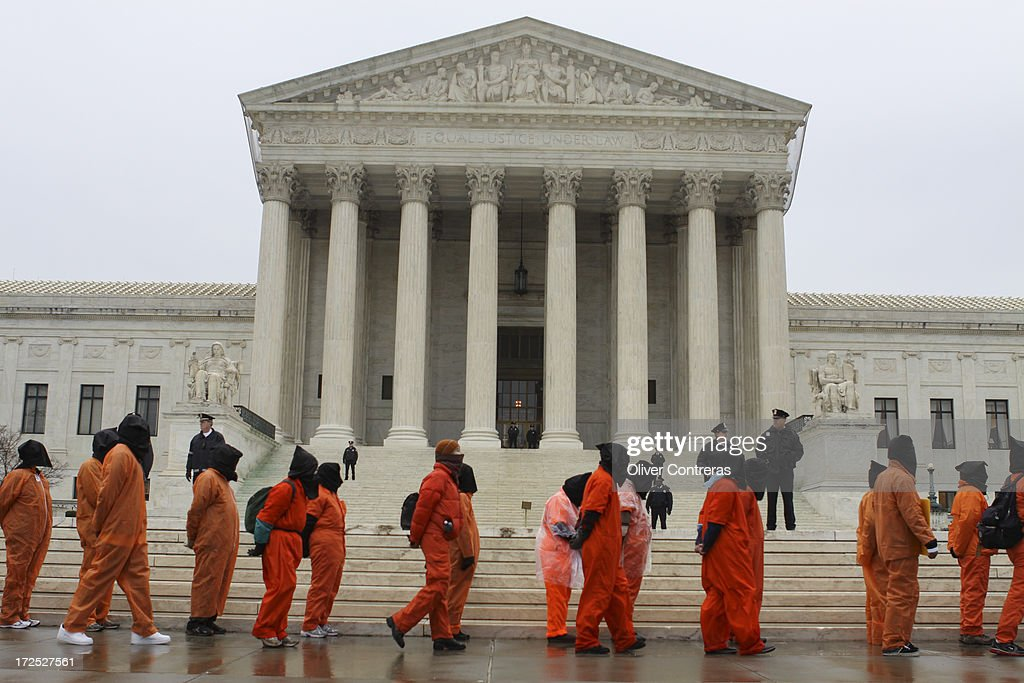 CONTENT] Hundreds protest on 10th anniversary of Guantanamo. Demonstrators marched from the Withe House to Capitol Hill. Washington, DC