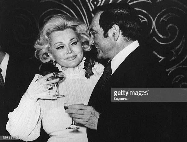 Hungarian film star Zsa Zsa Gabor with her sixth husband former actor Jack Ryan after their wedding at Caesar's Palace Las Vegas 21st January 1975...