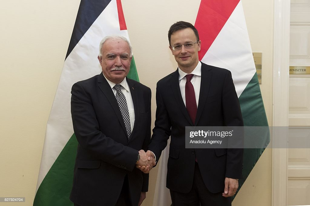 Hungarian Foreign Minister Peter Szijjarto (R) and Palestinian Foreign Minister Riyad al-Maliki (L) meet in Budapest, Hungary on May 02, 2016.