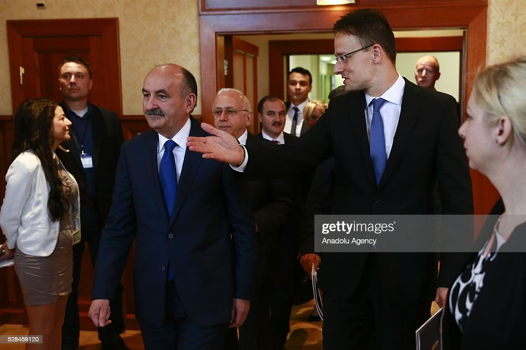 Hungarian Foreign Minister Peter Szijjarto (R) and Turkish Health Minister Mehmet Muezzinoglu (L) meet in Budapest, Hungary on May 5, 2016.