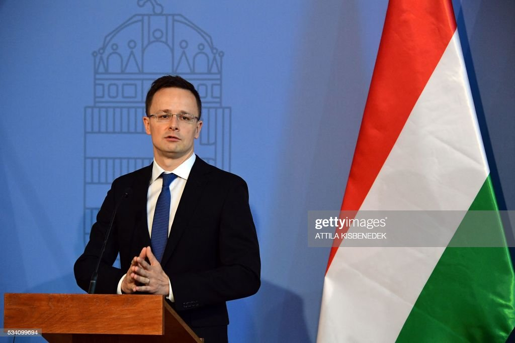Hungarian Foreign Minister Peter Szijjarto attends a press conference with his Russian counterpart Sergei Lavrov of Russia at the ministry in Budapest on May 25, 2016. / AFP / ATTILA
