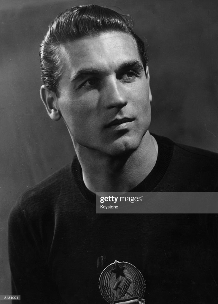 Hungarian goalkeeper, Grosits Gyula.
