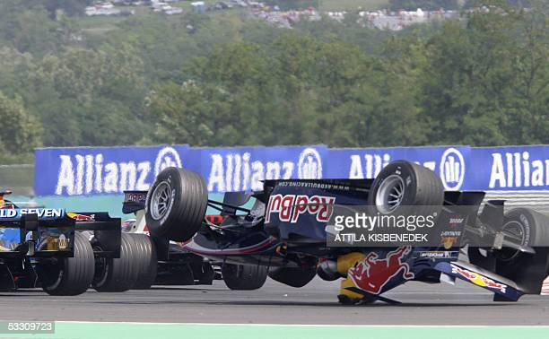 Red Bull Austrian driver Christian Klien crashes his car on the Hungaroring racetrack during the Hungarish Grand Prix 31 July 2005 in Budapest...