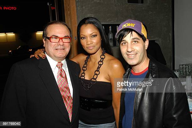 Hunt Slonem Garcelle BeauvaisNilon and Jason Weinberg attend Elisabeth Rohm and 7th on Sixth host Hurricane Relief Benefit on occasion of artist Hunt...