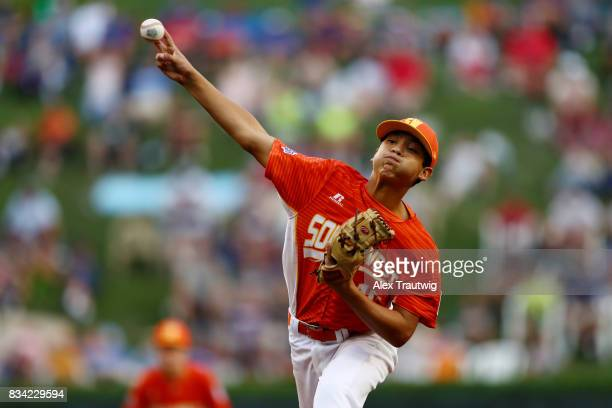 Hunter Ditsworth of the Southwest team from Texas pitches during Game 4 of the 2017 Little League World Series against the Great Lakes team from...