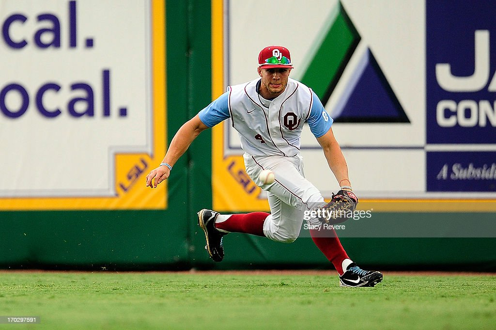 Hunter Haley #4 of the Oklahoma Sooners makes a play during Game 2 of the NCAA baseball Super Regionals against the LSU Tigers at Alex Box Stadium on June 8, 2013 in Baton Rouge, Louisiana.