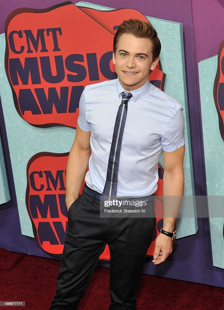 <a gi-track='captionPersonalityLinkClicked' href=/galleries/search?phrase=Hunter+Hayes&family=editorial&specificpeople=3290701 ng-click='$event.stopPropagation()'>Hunter Hayes</a> arrives at the 2014 CMT Music awards at the Bridgestone Arena on June 4, 2014 in Nashville, Tennessee.