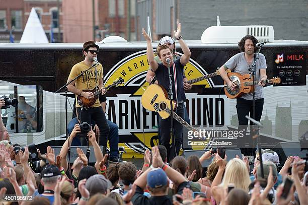 Hunter Hayes performs at a surprise popup concert presented by Samsung Galaxy at the Country Music Awards Festival 2014 on June 6 2014 in Nashville...
