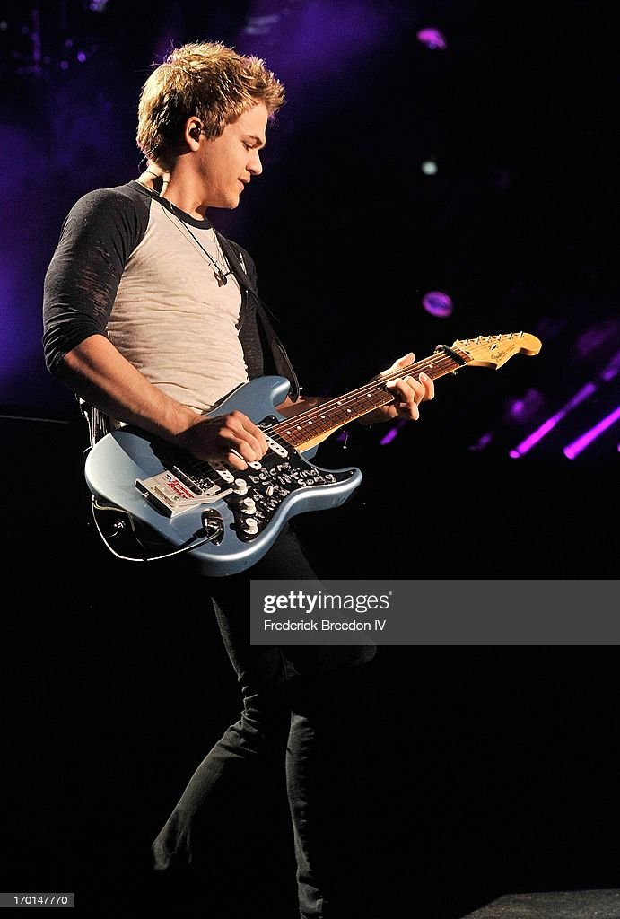 <a gi-track='captionPersonalityLinkClicked' href=/galleries/search?phrase=Hunter+Hayes&family=editorial&specificpeople=3290701 ng-click='$event.stopPropagation()'>Hunter Hayes</a> performs at LP Field during the 2013 CMA Music Festival on June 7, 2013 in Nashville, Tennessee.