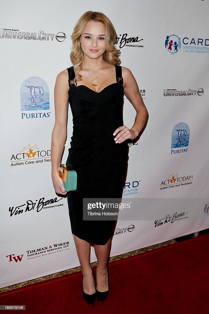 <a gi-track='captionPersonalityLinkClicked' href=/galleries/search?phrase=Hunter+King&family=editorial&specificpeople=9938218 ng-click='$event.stopPropagation()'>Hunter King</a> attends the 8th annual Denim & Diamonds for Autism at Fours Season Hotel on October 6, 2013 in Westlake Village, California.
