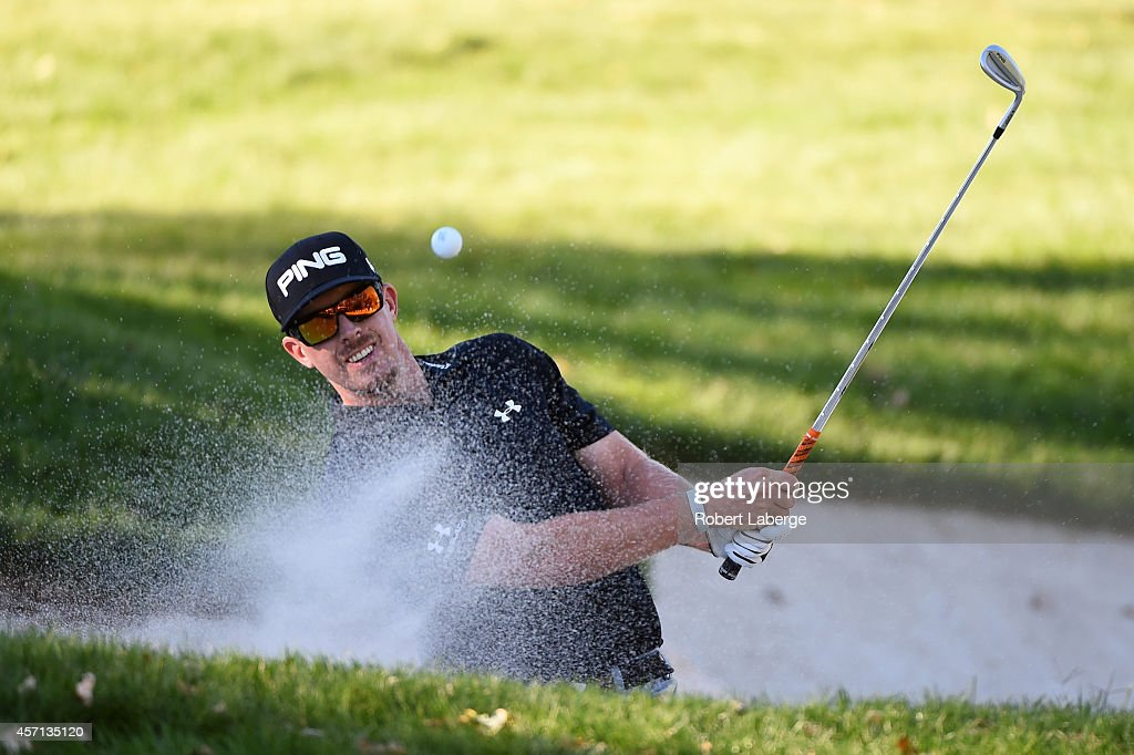 <a gi-track='captionPersonalityLinkClicked' href=/galleries/search?phrase=Hunter+Mahan&family=editorial&specificpeople=885292 ng-click='$event.stopPropagation()'>Hunter Mahan</a> hits from the bunker on the 16th hole during the final round of the Frys.com Open at Silverado Resort and Spa on October 12, 2014 in Napa, California.