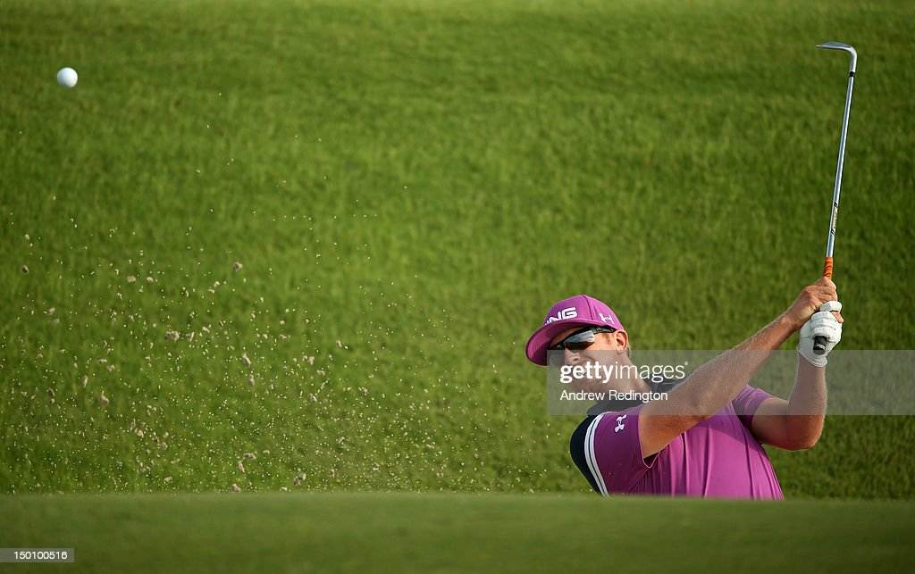 <a gi-track='captionPersonalityLinkClicked' href=/galleries/search?phrase=Hunter+Mahan&family=editorial&specificpeople=885292 ng-click='$event.stopPropagation()'>Hunter Mahan</a> of the United States hits out of the sand on the tenth hole during Round Two of the 94th PGA Championship at the Ocean Course on August 10, 2012 in Kiawah Island, South Carolina.