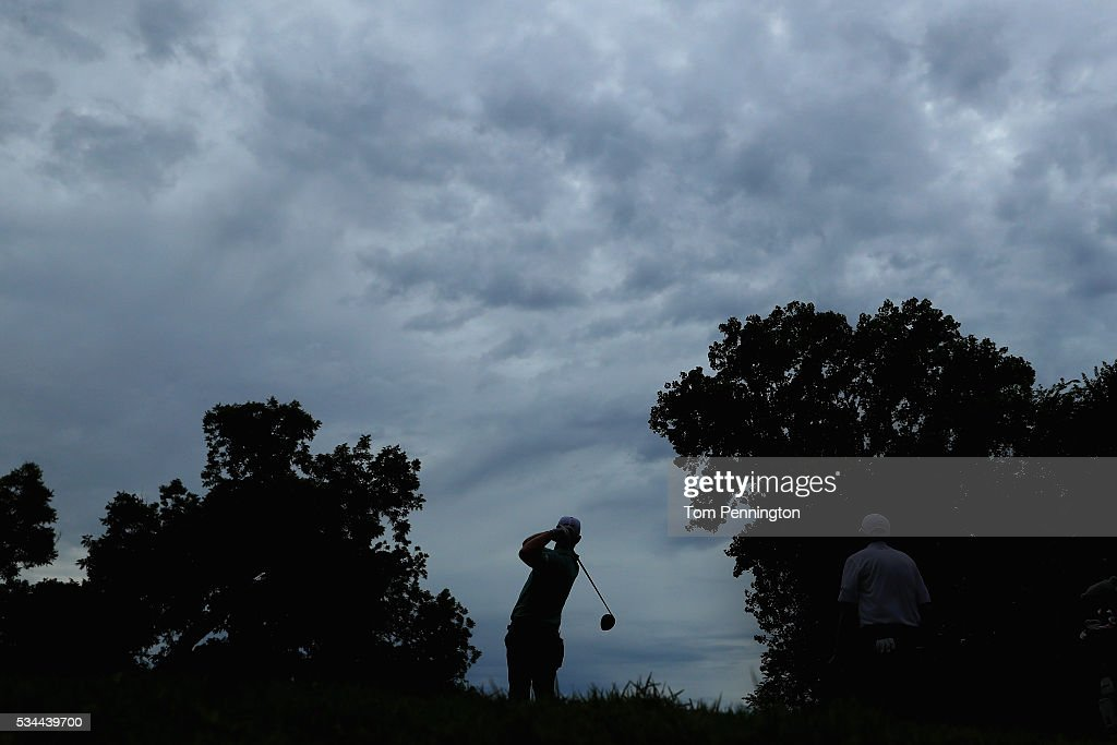 <a gi-track='captionPersonalityLinkClicked' href=/galleries/search?phrase=Hunter+Mahan&family=editorial&specificpeople=885292 ng-click='$event.stopPropagation()'>Hunter Mahan</a> plays his shot from the 12th tee during the First Round of the DEAN & DELUCA Invitational at Colonial Country Club on May 26, 2016 in Fort Worth, Texas.