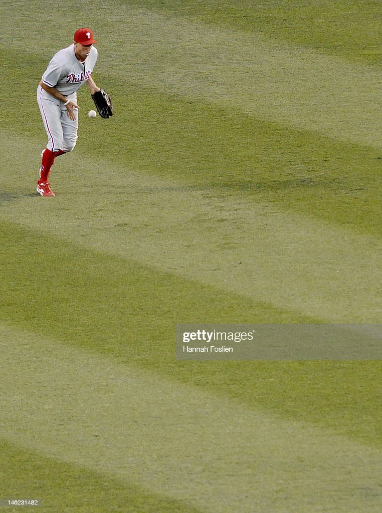<a gi-track='captionPersonalityLinkClicked' href=/galleries/search?phrase=Hunter+Pence&family=editorial&specificpeople=757341 ng-click='$event.stopPropagation()'>Hunter Pence</a> #3 of the Philadelphia Phillies misses a catch in right field against the Minnesota Twins during the fifth inning on June 12, 2012 at Target Field in Minneapolis, Minnesota.