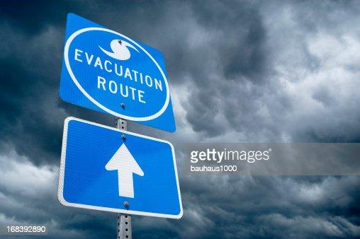ハリケーン避難ルート標識