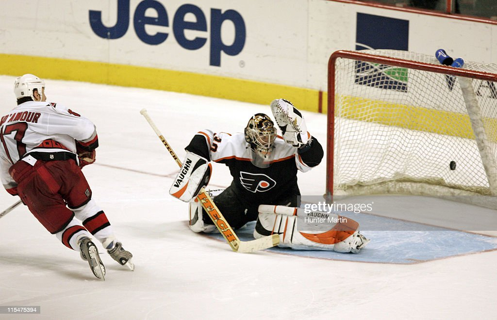 Hurricanes captain Rod Brind'Amour (17) scores the game winning overtime shoot out goal against Flyers goalie Antero Niittymaki at the Wachovia Center in Philadelphia, Pennsylvania on January 17, 2006.
