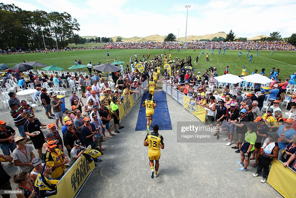 Hurricanes players take the field during the Super Rugby pre-season match between the Blues and the Hurricanes at Eketahuna Rugby Club on February 13, 2016 in Eketahuna, New Zealand.