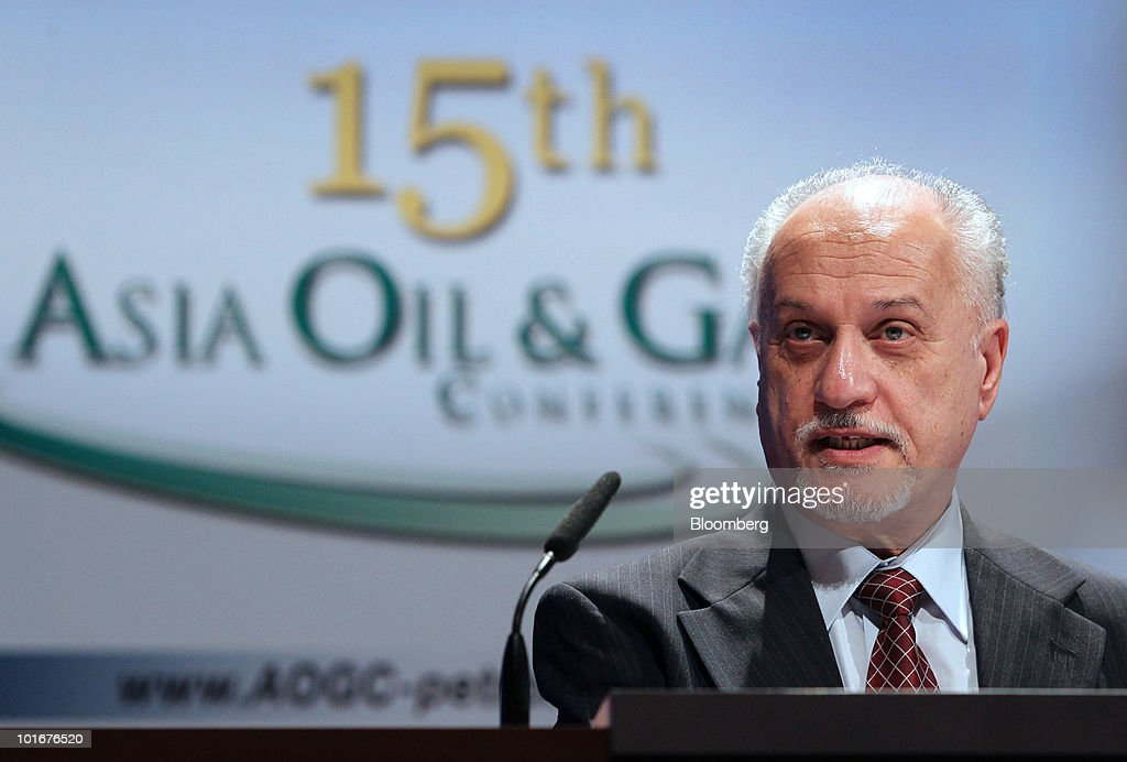 Hussain al-Shahristani, Iraq's oil minister, speaks at the 15th Asia Oil & Gas Conference in Kuala Lumpur, Malaysia, on Monday, June 7, 2010. The conference takes place from 6 - 8 of June at the Kuala Lumpur Convention Centre. Photographer: Goh Seng Chong/Bloomberg via Getty Images