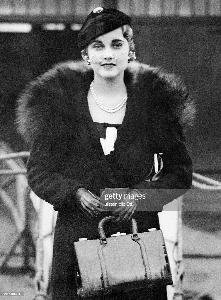 Hutton, Barbara (*-+) , Kaufhaus-Erbin, USA, - Halbportrait, - 1932, - veroeffentlicht B.Mp.