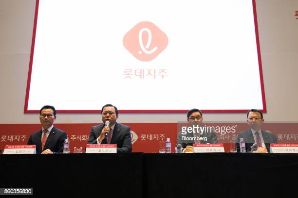Hwang Kaggyu cheif executive officer of Lotte Corp second left speaks during a news conference in Seoul South Korea on Thursday Oct 12 2017...