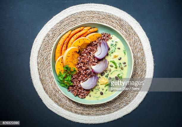 Hyacinth Bean Curry Bowl on Woven Mat