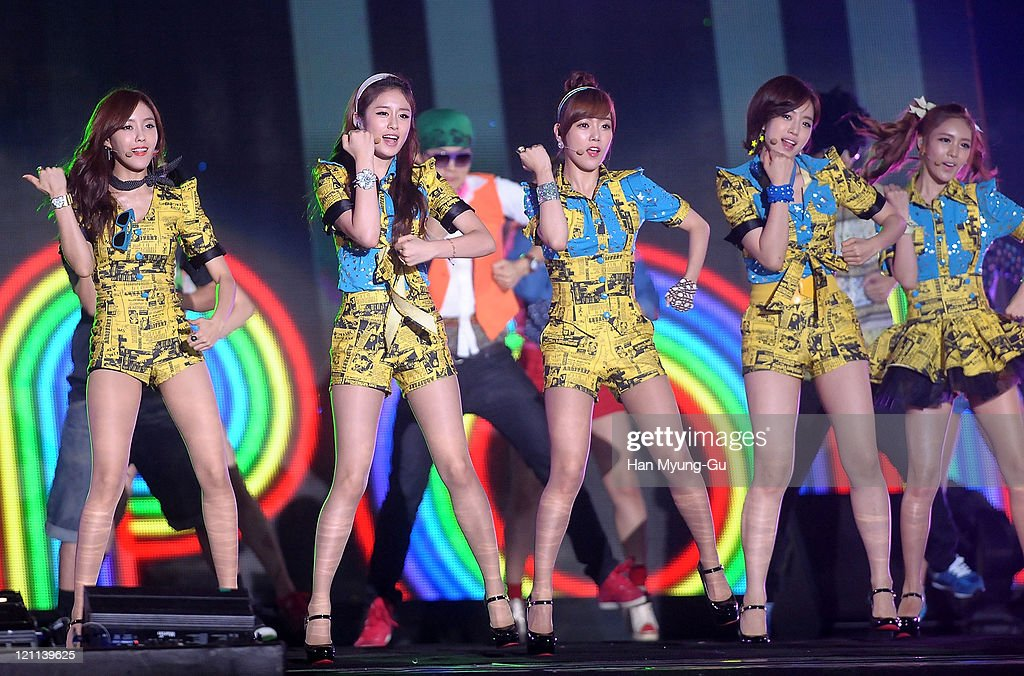 Hyo-Min, Ji-Yeon, So-Yeon, Eun-Jung and Q-Ri of T-ara perform onstage during the Incheon Korean Wave Festival 2011 at Incheon World Cup Stadium on August 13, 2011 in Incheon, South Korea.