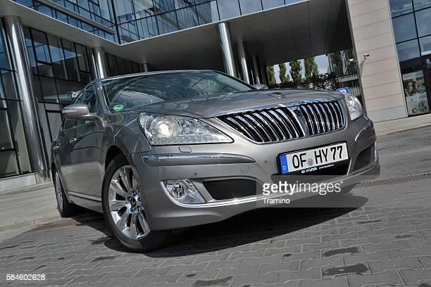 Hyundai Equus on the street