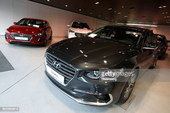 Hyundai grandeur stock photos and pictures getty images for Hyundai motor finance usa
