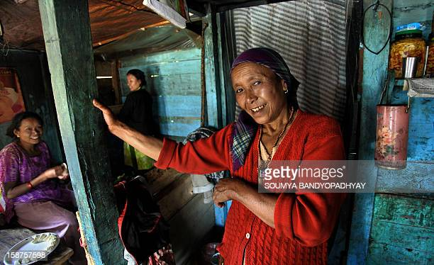CONTENT] i met her on our way to darjeeling at dhotre she owns a small stall which serves momo and noodles to travellers we had a delicious lunch...