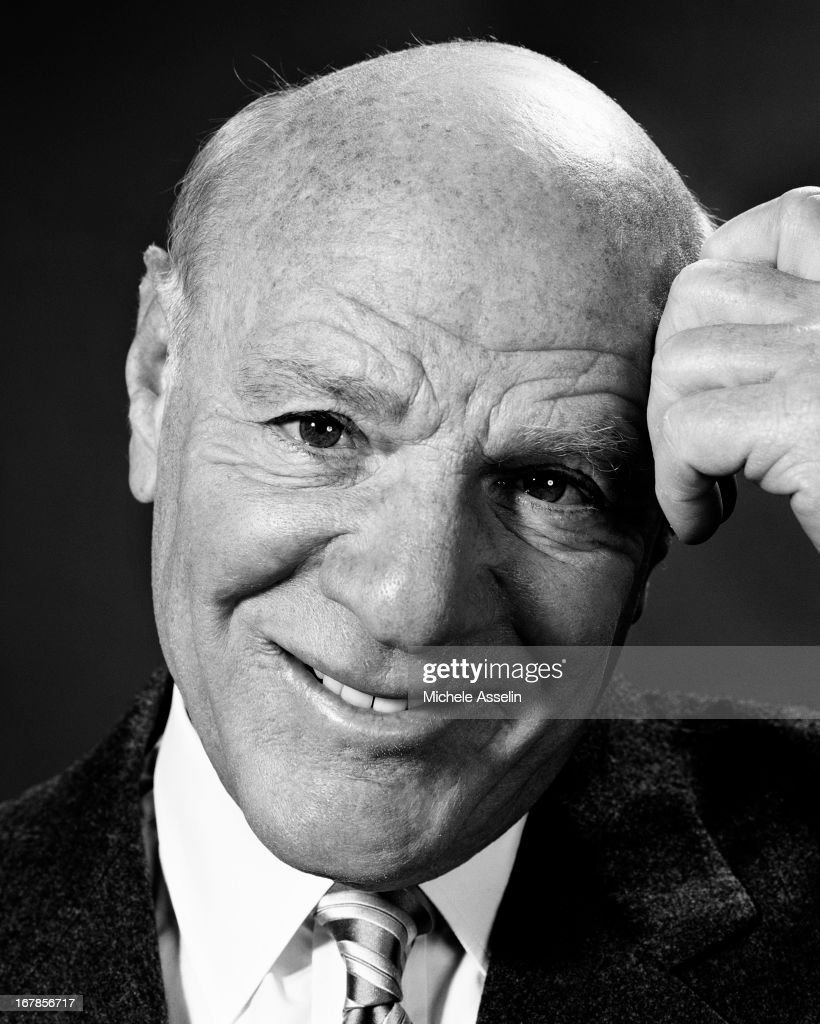 IAC/InterActiveCorp CEO, Barry Diller for Fortune Magazine in 2004 in New York Cit... Show more - iacinteractivecorp-ceo-barry-diller-for-fortune-magazine-in-2004-in-picture-id167856717
