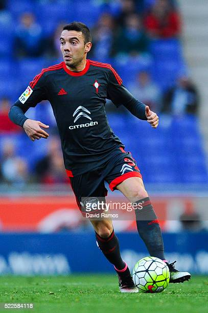 Iago Aspas of RC Celta de Vigo runs with the ball during the La Liga match between Real CD Espanyol and Celta Vigo at CornellaEl Prat Stadium on...