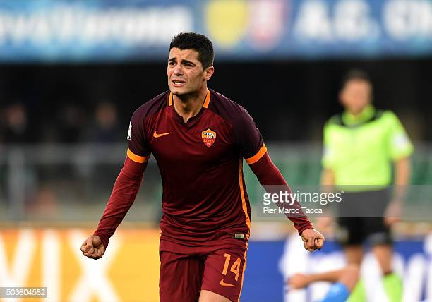 Iago Falque of AS Roma celebrates his goal during the Serie A match between AC Chievo Verona and AS Roma at Stadio Marc'Antonio Bentegodi on January...