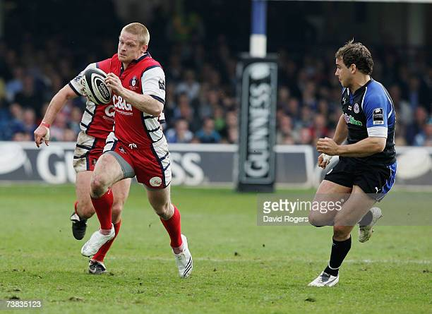 Iain Balshaw of Gloucester cuts inside Olly Barkley of Bath during the Guinness Premiership match between Bath and Gloucester at the Recreation...
