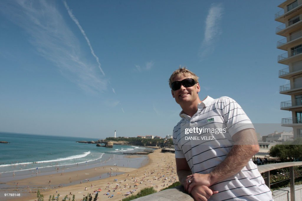 Iain Balshaw relaxes on the beach on September 08 2009 in Biarritz Iain Robert Balshaw MBE is a rugby union footballer who plays on the wing or at...