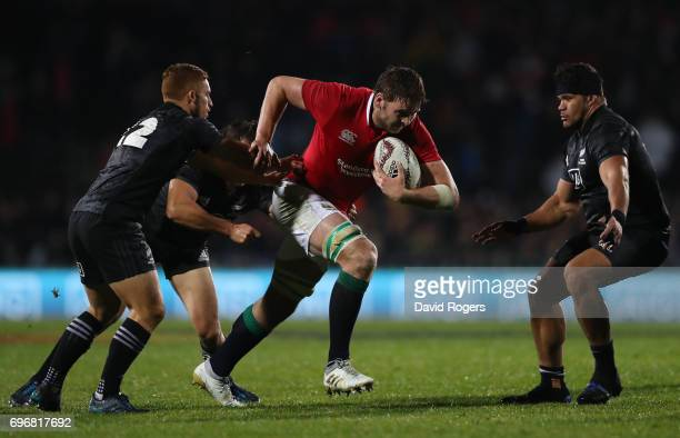 Iain Henderson of the Lions charges upfield during the 2017 British Irish Lions tour match between the Maori All Blacks and the British Irish Lions...
