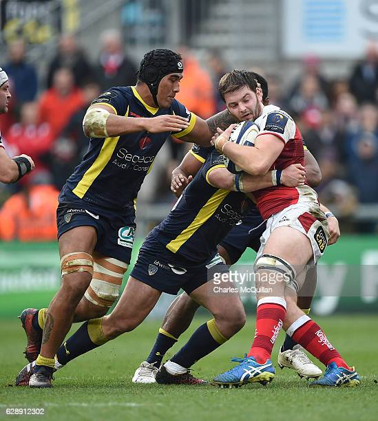 Iain Henderson of Ulster and Camille Lopez of Clermont during the European Champions Cup game between Ulster and ASM Clermont Auvergne on December 10...