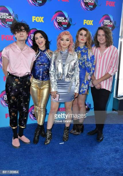 Iain Shipp Nia Lovelis Rena Lovelis Miranda Miller and Casey Moreta of Hey Violet attend the Teen Choice Awards 2017 at Galen Center on August 13...