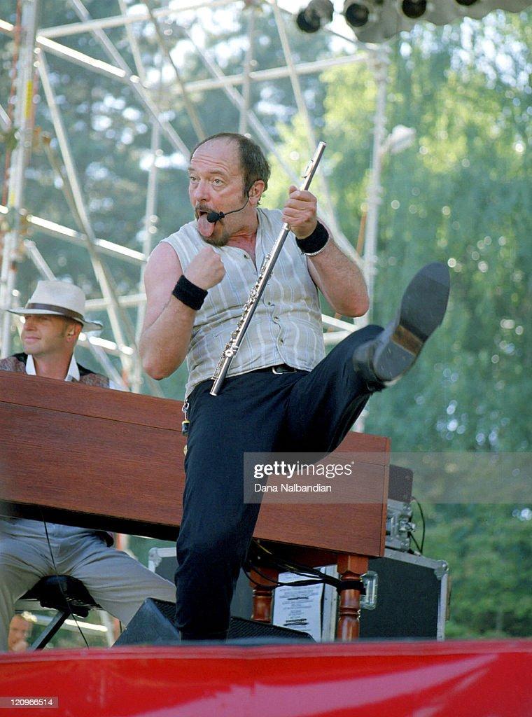 Jethro Tull Live In Concert - September 1, 1998