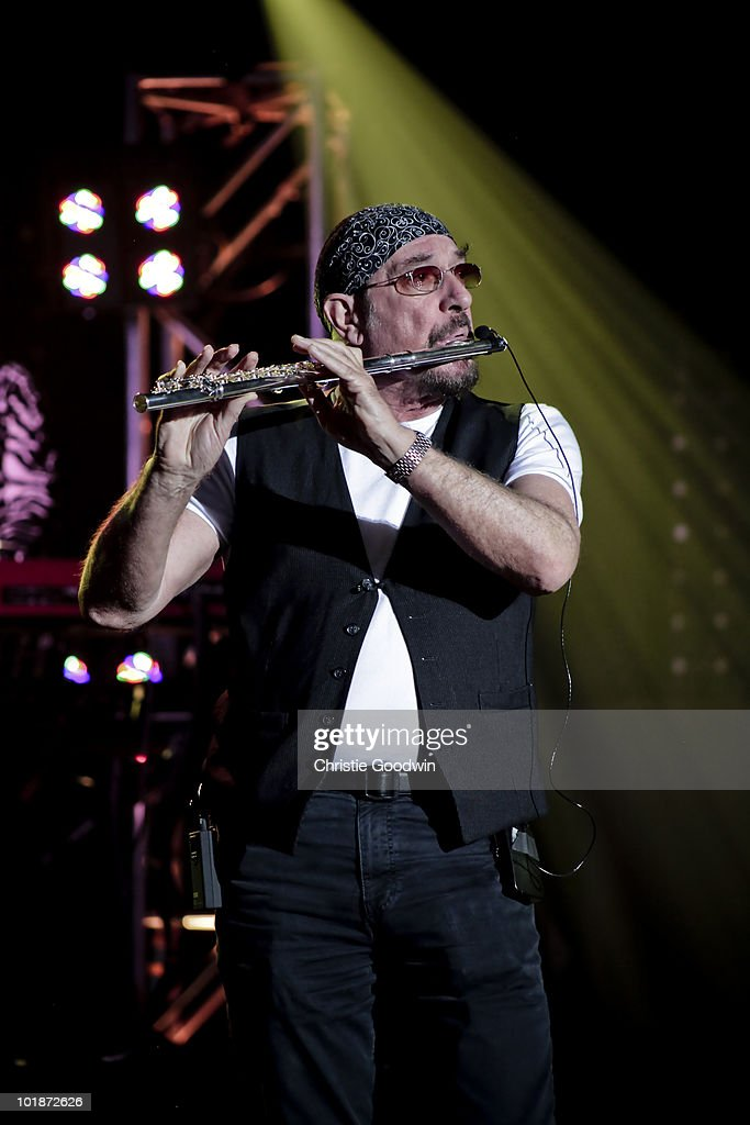 <a gi-track='captionPersonalityLinkClicked' href=/galleries/search?phrase=Ian+Anderson&family=editorial&specificpeople=615834 ng-click='$event.stopPropagation()'>Ian Anderson</a> of Jethro Tull performs on stage as a special guest of Joe Bonamassa at Hammersmith Apollo on May 28, 2010 in London, England.