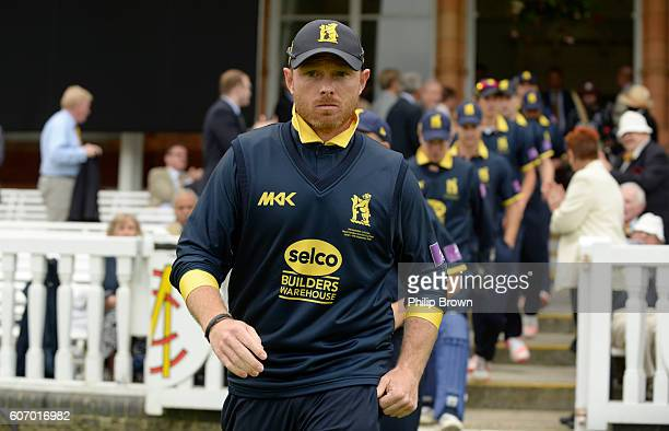 Ian Bell leads the Warwickshire team on to the ground before the Royal London oneday cup final cricket match between Warwickshire and Surrey at...