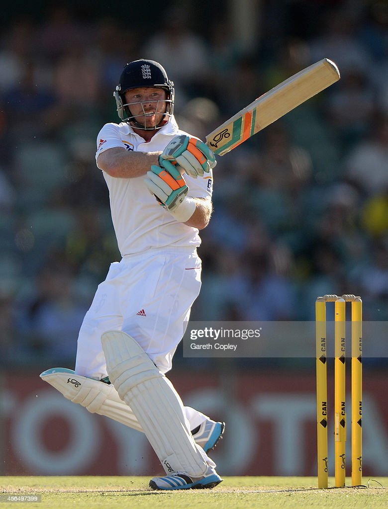 <a gi-track='captionPersonalityLinkClicked' href=/galleries/search?phrase=Ian+Bell&family=editorial&specificpeople=206128 ng-click='$event.stopPropagation()'>Ian Bell</a> of England bats during day two of the Third Ashes Test Match between Australia and England at WACA on December 14, 2013 in Perth, Australia.
