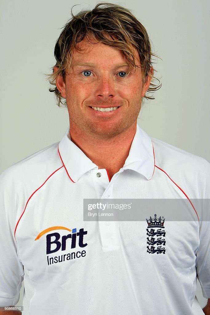 <a gi-track='captionPersonalityLinkClicked' href=/galleries/search?phrase=Ian+Bell&family=editorial&specificpeople=206128 ng-click='$event.stopPropagation()'>Ian Bell</a> of England poses for the team portraits at the ECB Centre at University on October 28, 2009 in Loughbrough,England.