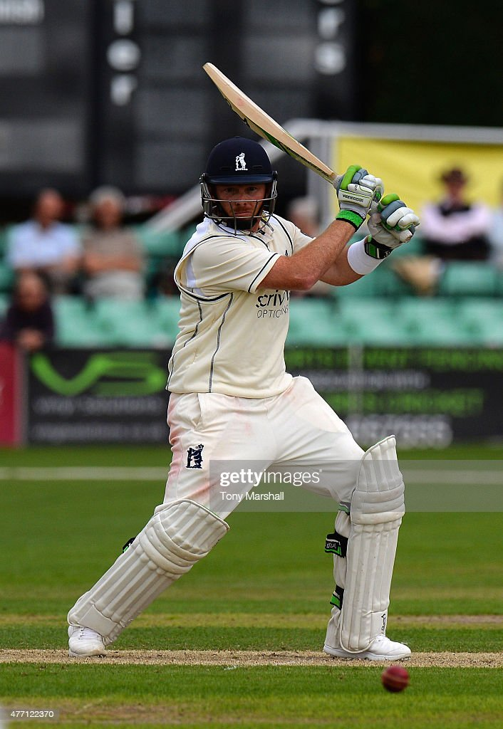 Ian Bell of Warwickshire bats during the LV County Championship match between Worcestershire and Warwickshire at New Road on June 14 2015 in...