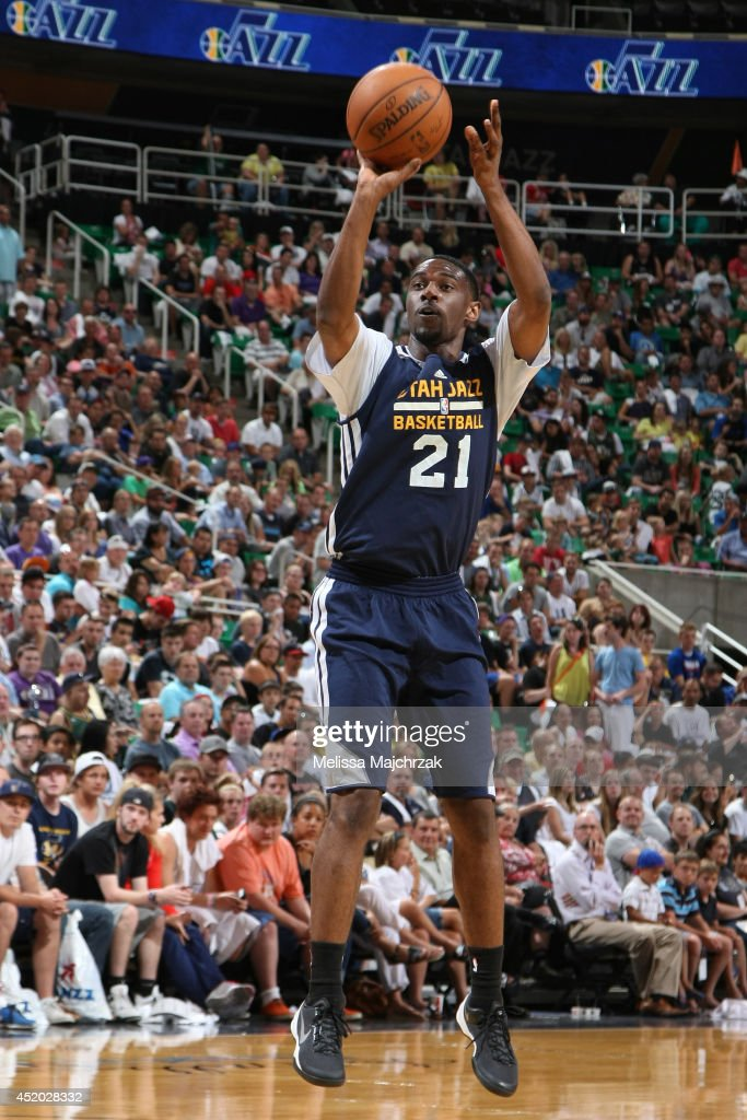 Ian Clark #21 of the Utah Jazz shoots during an open scrimmage at Energy Solutions Arena on July 8, 2014 in Salt Lake City, Utah.