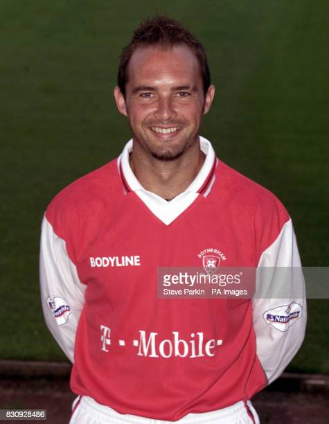 Ian Gray of Rotherham utd2002/2003 SEASON THIS PICTURE CAN ONLY BE USED WITHIN THE CONTEXT OF AN EDITORIAL FEATURE NO UNOFFICIAL CLUB WEBSITE USE