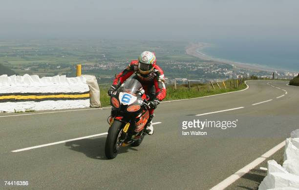 Ian Hutchinson in action through Guthries during the PokerStars TT Supersport Junior race at the Isle of Man TT Races on Jun 6 2007 in Isle of Man