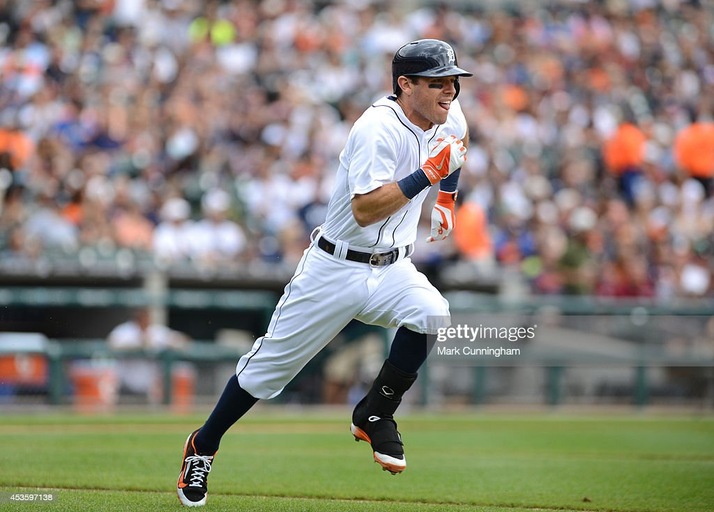 <a gi-track='captionPersonalityLinkClicked' href=/galleries/search?phrase=Ian+Kinsler&family=editorial&specificpeople=538104 ng-click='$event.stopPropagation()'>Ian Kinsler</a> #3 of the Detroit Tigers runs the bases during the game against the Chicago White Sox at Comerica Park on July 31, 2014 in Detroit, Michigan. The White Sox defeated the Tigers 7-4.