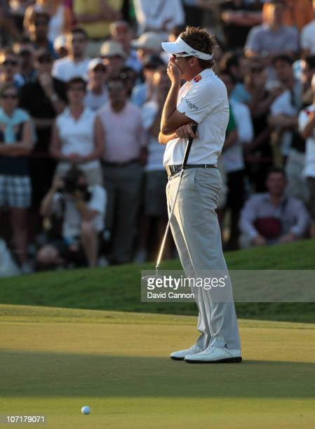 Ian Poulter of England just fails to hole this bridie putt to secure victory on the final green during the final round of the Dubai World...