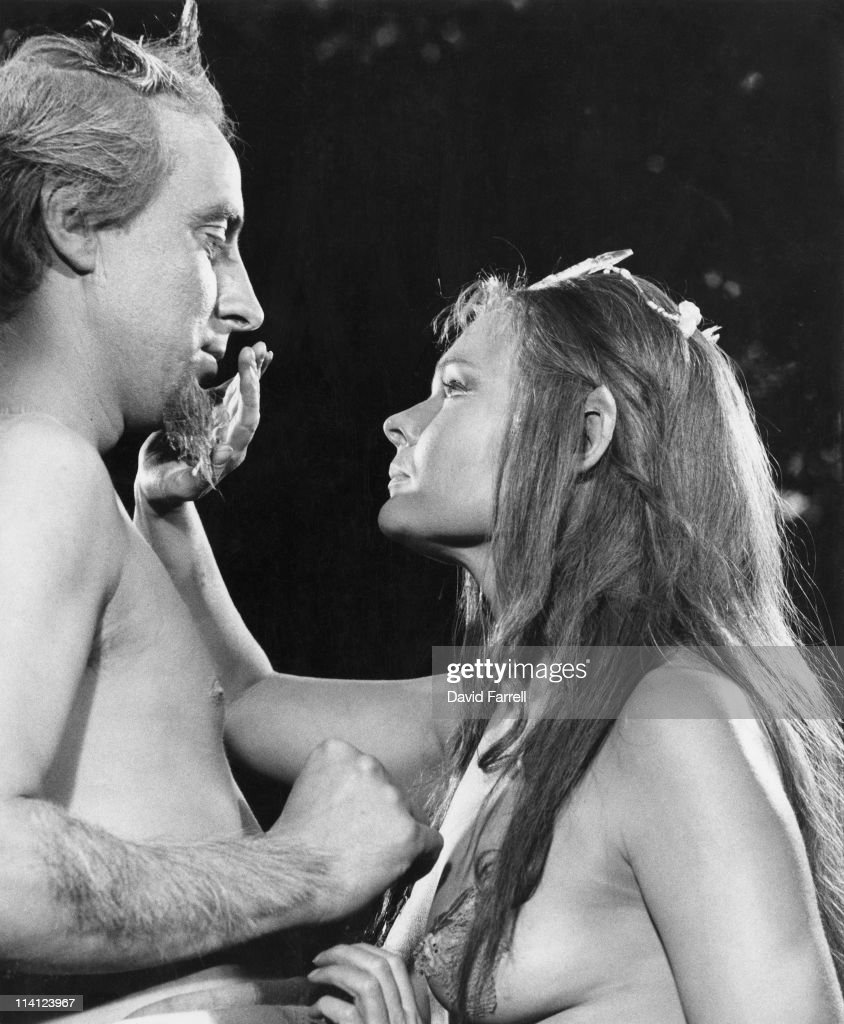 Ian Richardson (1934 - 2007) as Oberon and Judi Dench as Titania during the filming of Shakespeare's play 'A Midsummer Night's Dream', 1968. The film was directed by Peter Hall.